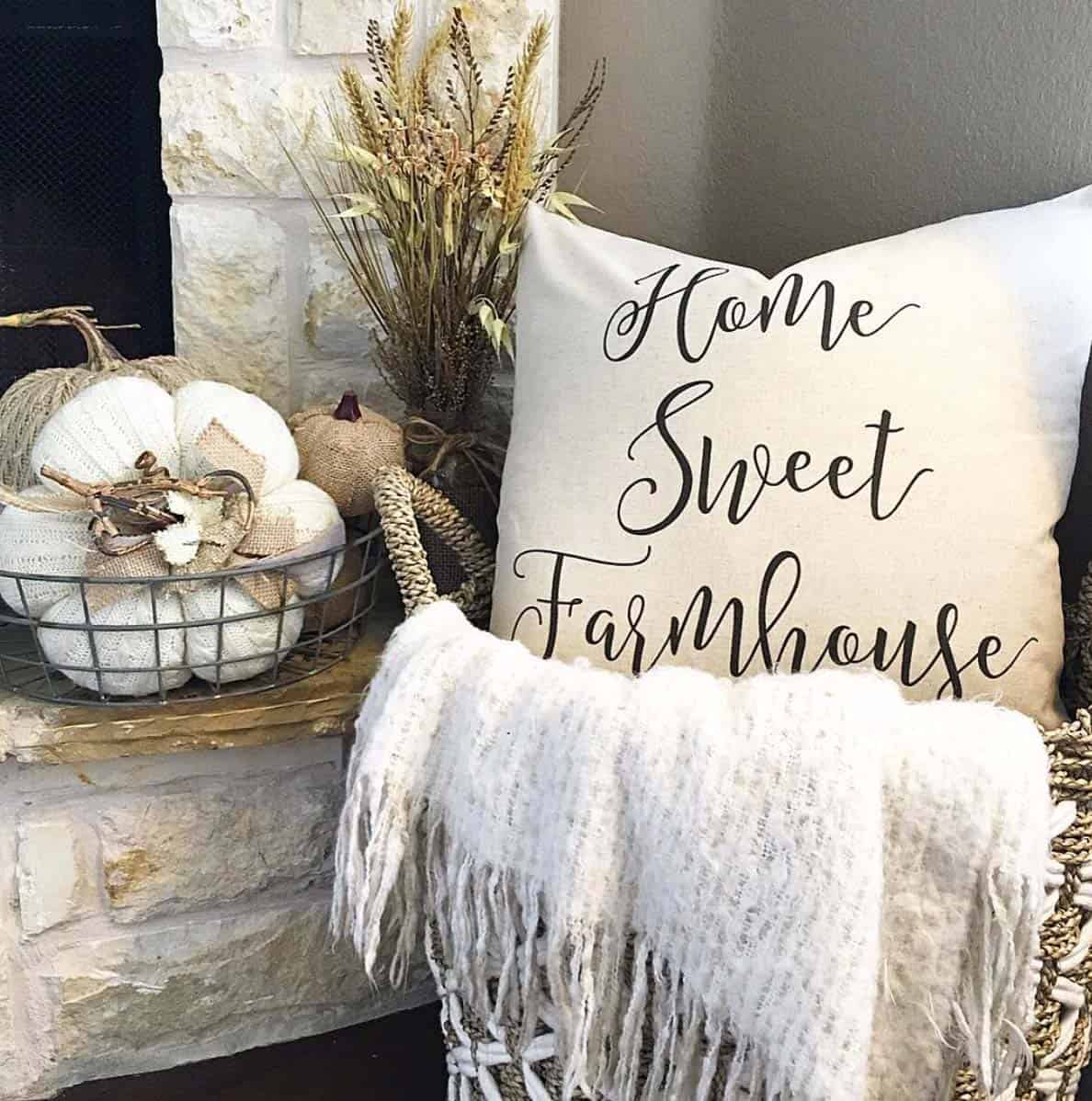 farmhouse-fall-decorating-ideas-48-1-kindesign