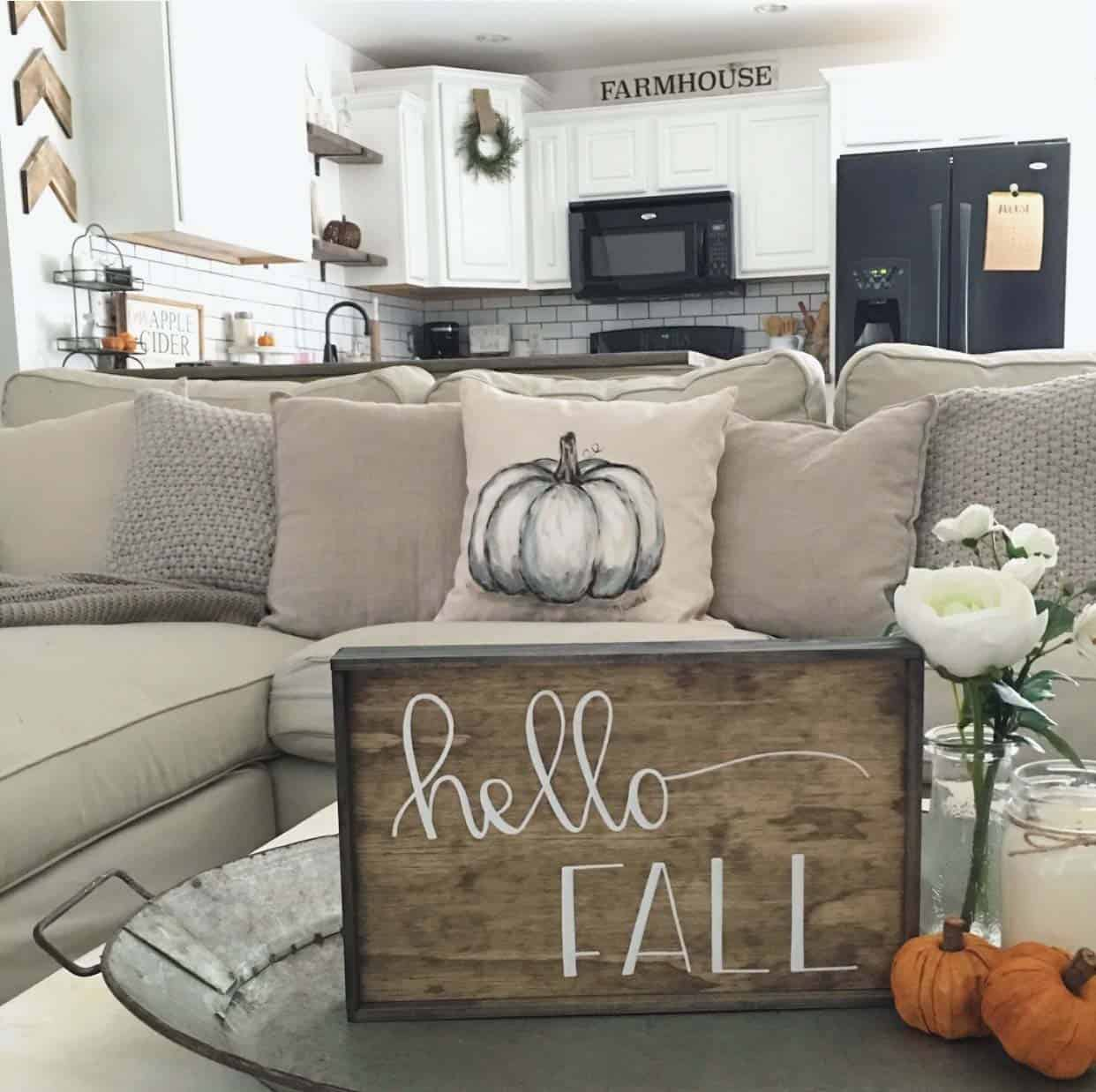 farmhouse-fall-decorating-ideas-49-1-kindesign