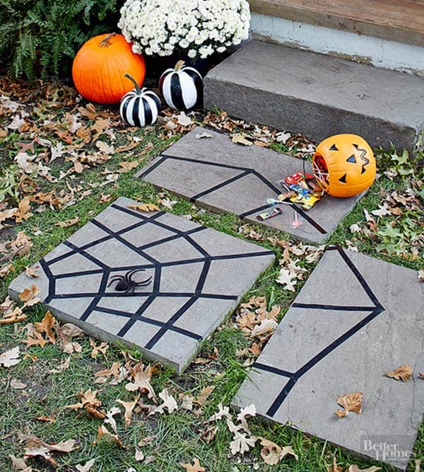 halloween-front-door-decorating-ideas-05-1-kindesign