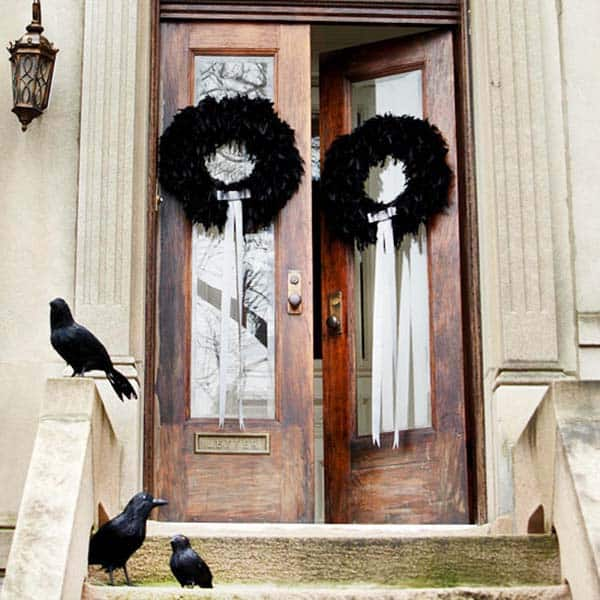 Halloween Front Door Decorating Ideas 09 1 Kindesign