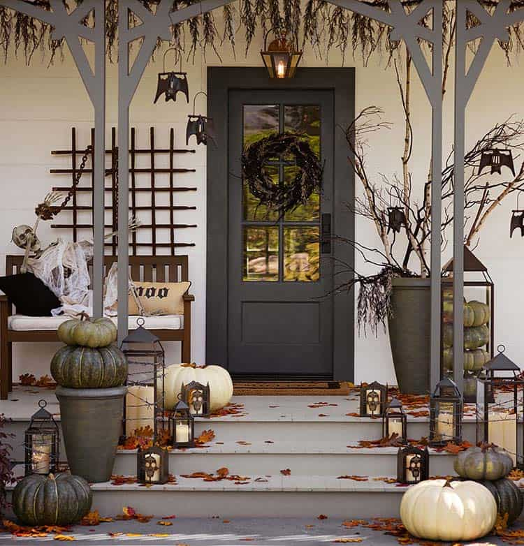 halloween-front-door-decorating-ideas-17-1-kindesign