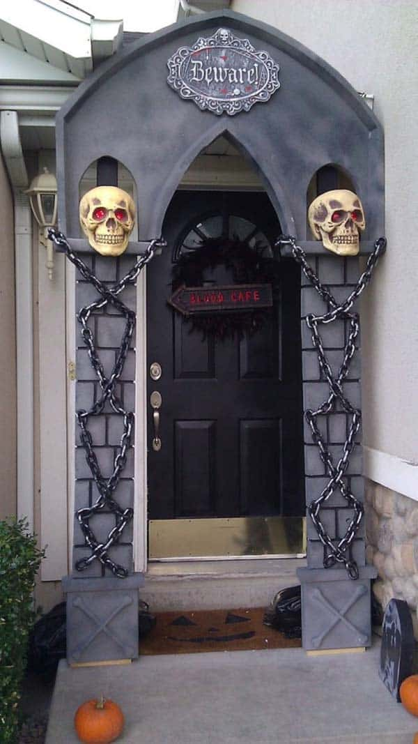 halloween-front-door-decorating-ideas-19-1-kindesign