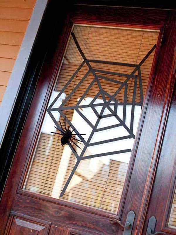 halloween-front-door-decorating-ideas-20-1-kindesign
