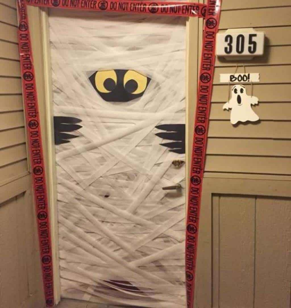 halloween-front-door-decorating-ideas-23-1-kindesign