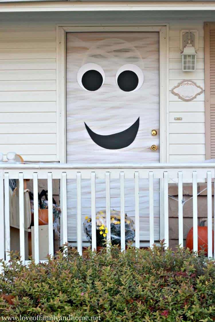 halloween-front-door-decorating-ideas-24-1-kindesign