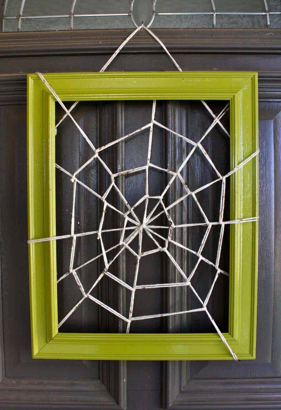 halloween-front-door-decorating-ideas-31-1-kindesign