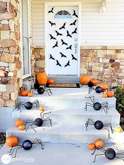 halloween-front-door-decorating-ideas-32-1-kindesign