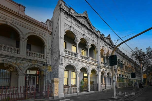 featured posts image for Chic Italianate style home with Victorian character in Melbourne