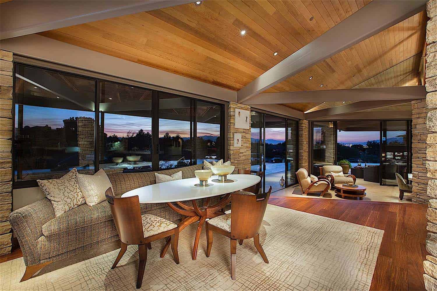 luxury-contemporary-home-design-gordon-rogers-15-1-kindesign