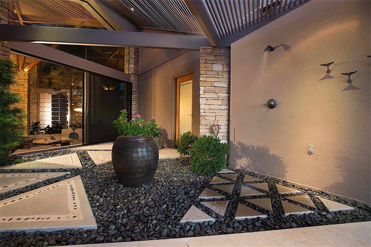 luxury-contemporary-home-design-gordon-rogers-35-1-kindesign