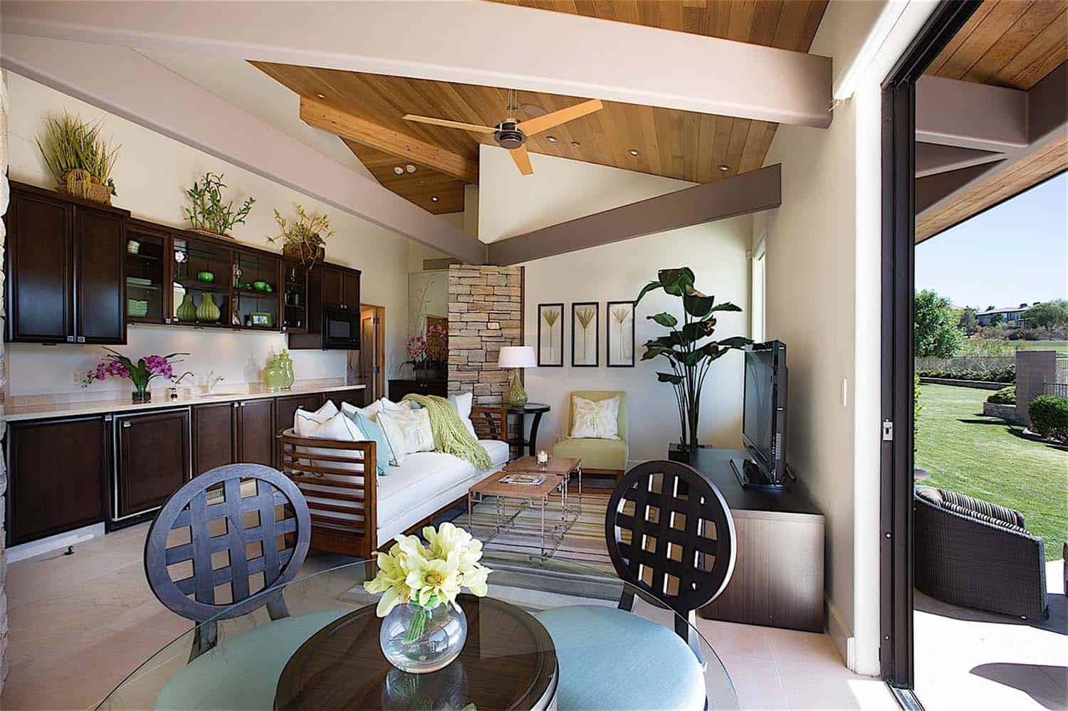 luxury-contemporary-home-design-gordon-rogers-36-1-kindesign