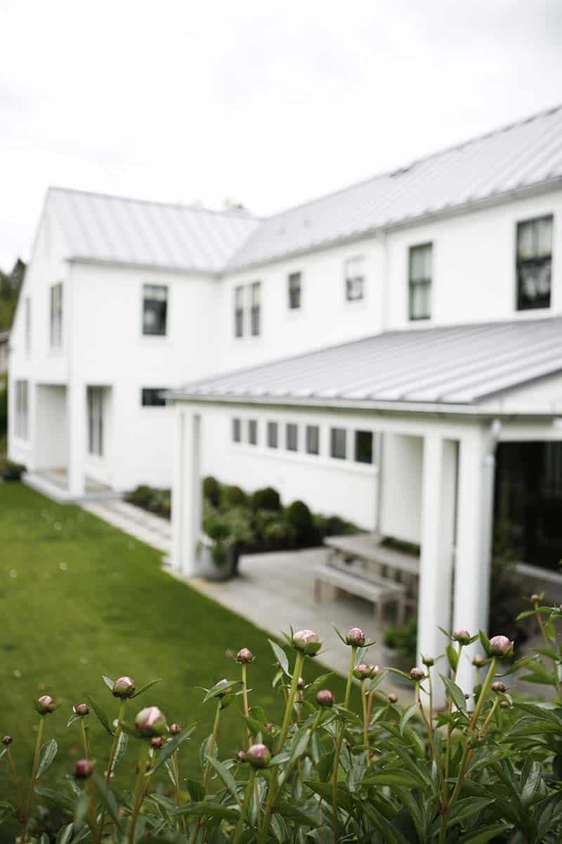 modern-farmhouse-design-ben-trogdon-architects-41-1-kindesign