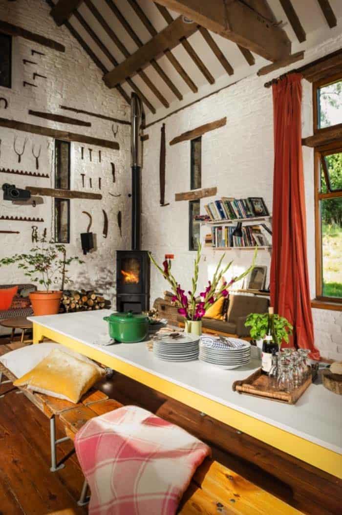 modern-rustic-cottage-herefordshire-03-1-kindesign