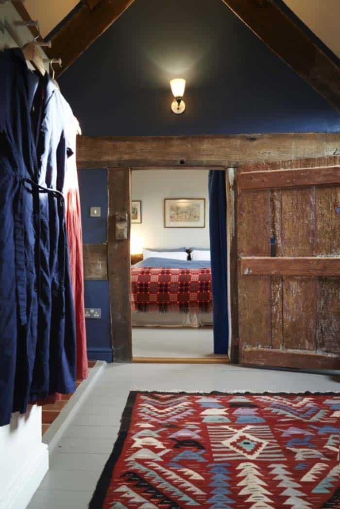 modern-rustic-cottage-herefordshire-23-1-kindesign