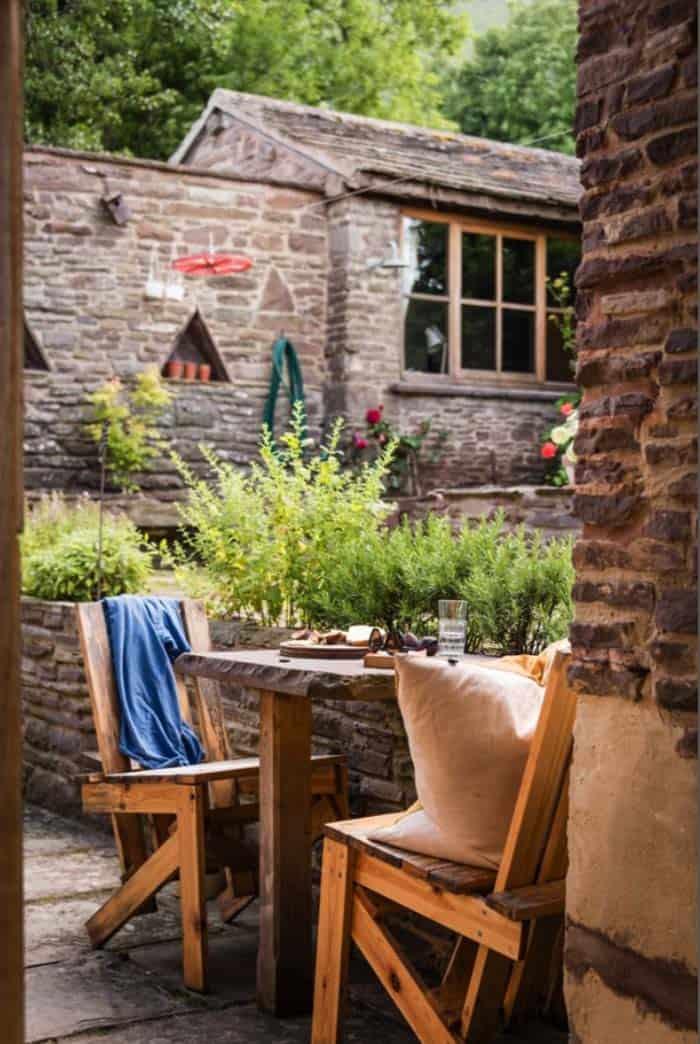 modern-rustic-cottage-herefordshire-30-1-kindesign