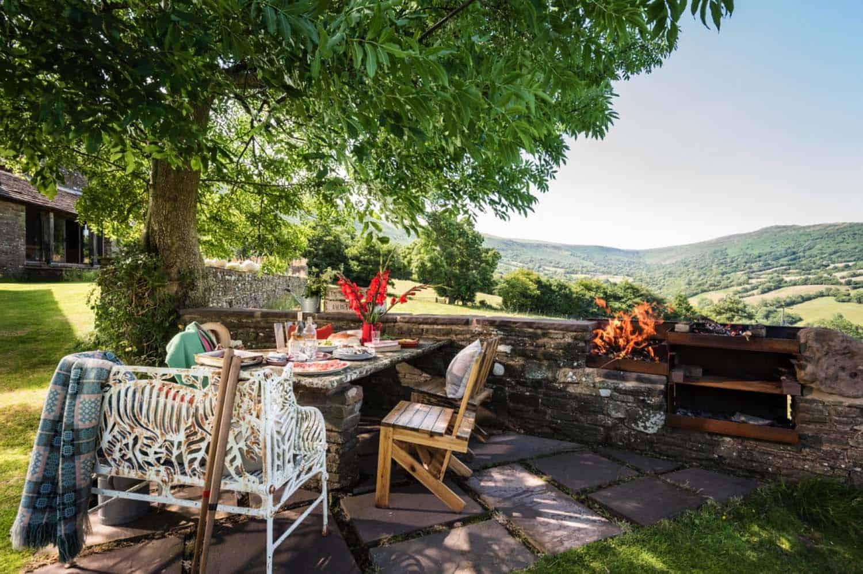 modern-rustic-cottage-herefordshire-32-1-kindesign