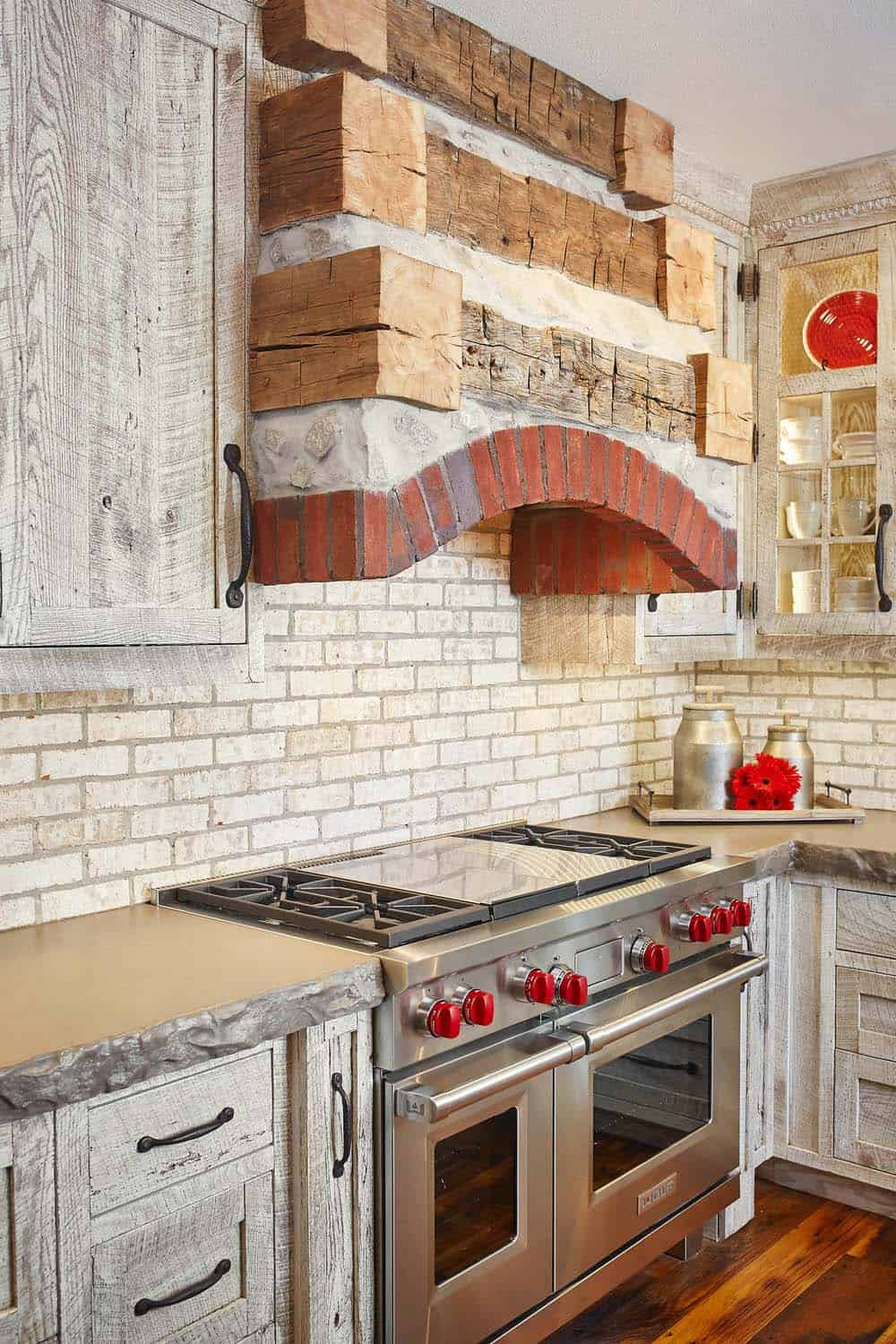 modern-rustic-home-benchmark-design-studio-06-1-kindesign