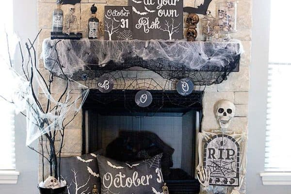 featured posts image for 40 Spooktacular Halloween mantel decorating ideas