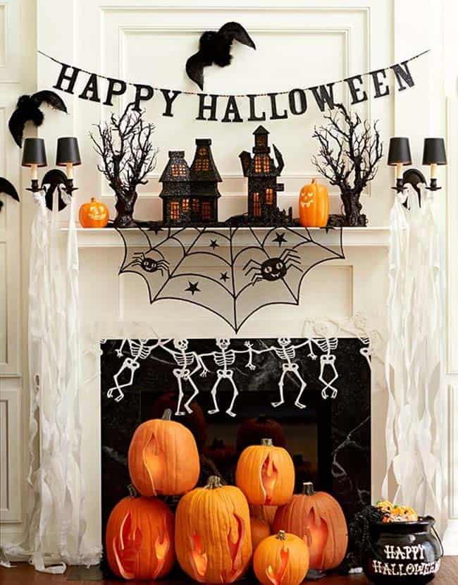 spooky-halloween-mantel-decorating-ideas-02-1-kindesign
