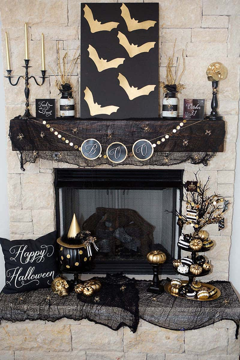 spooky-halloween-mantel-decorating-ideas-08-1-kindesign