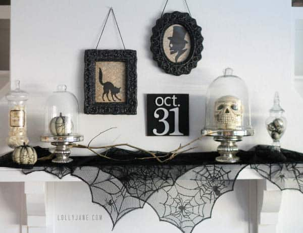 spooky-halloween-mantel-decorating-ideas-13-1-kindesign