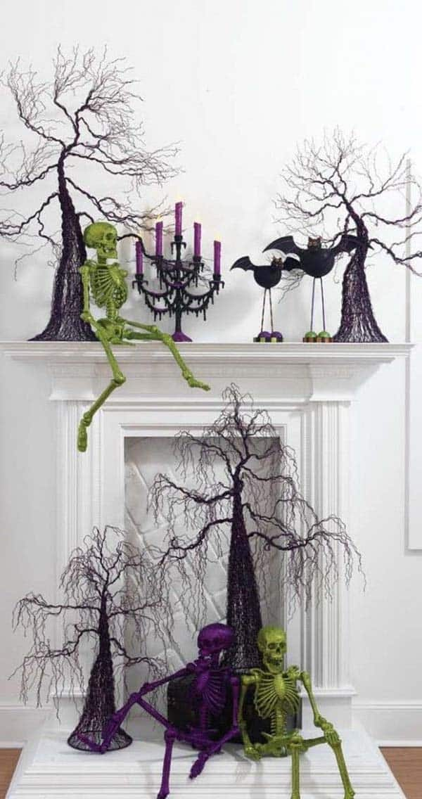 spooky-halloween-mantel-decorating-ideas-23-1-kindesign