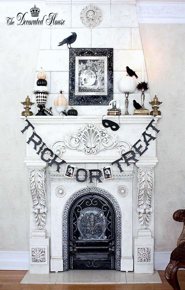 spooky-halloween-mantel-decorating-ideas-26-1-kindesign