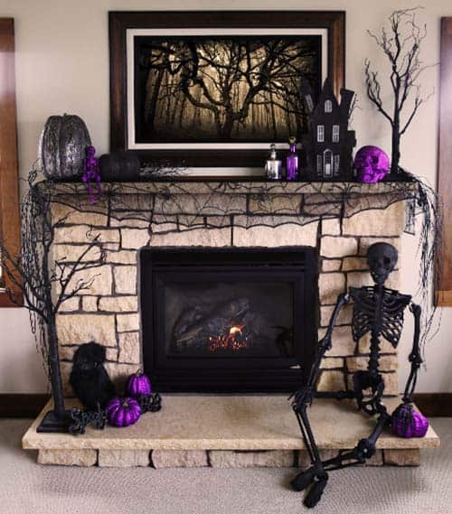 spooky-halloween-mantel-decorating-ideas-27-1-kindesign