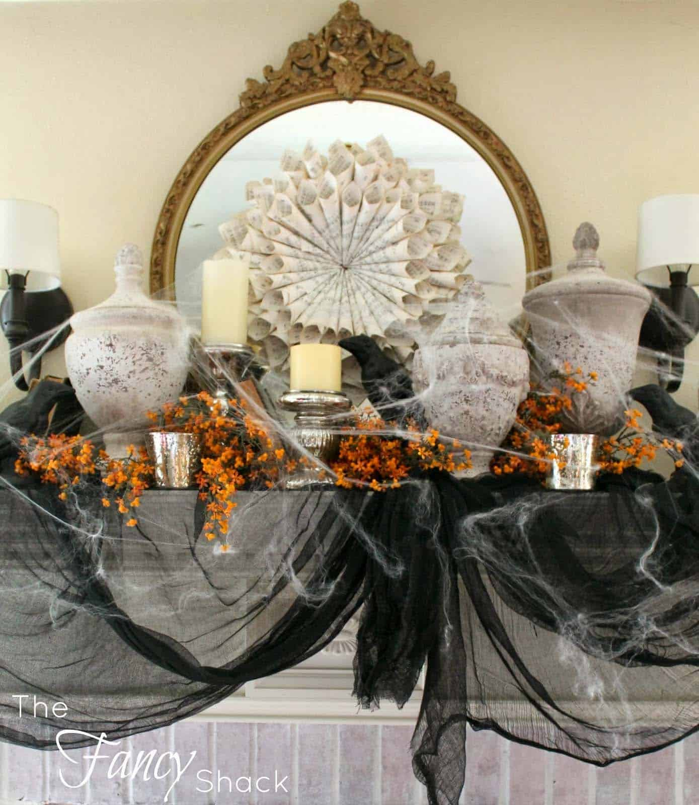 spooky-halloween-mantel-decorating-ideas-28-1-kindesign
