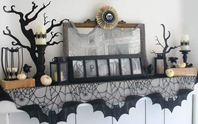 spooky-halloween-mantel-decorating-ideas-33-1-kindesign