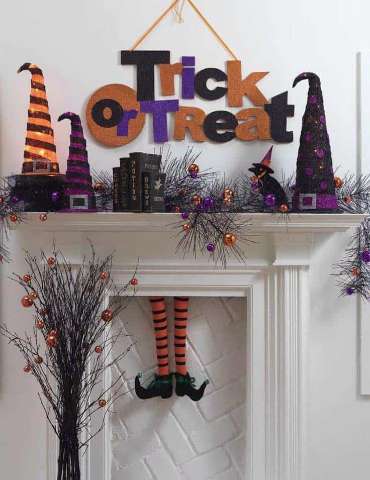 spooky-halloween-mantel-decorating-ideas-39-1-kindesign