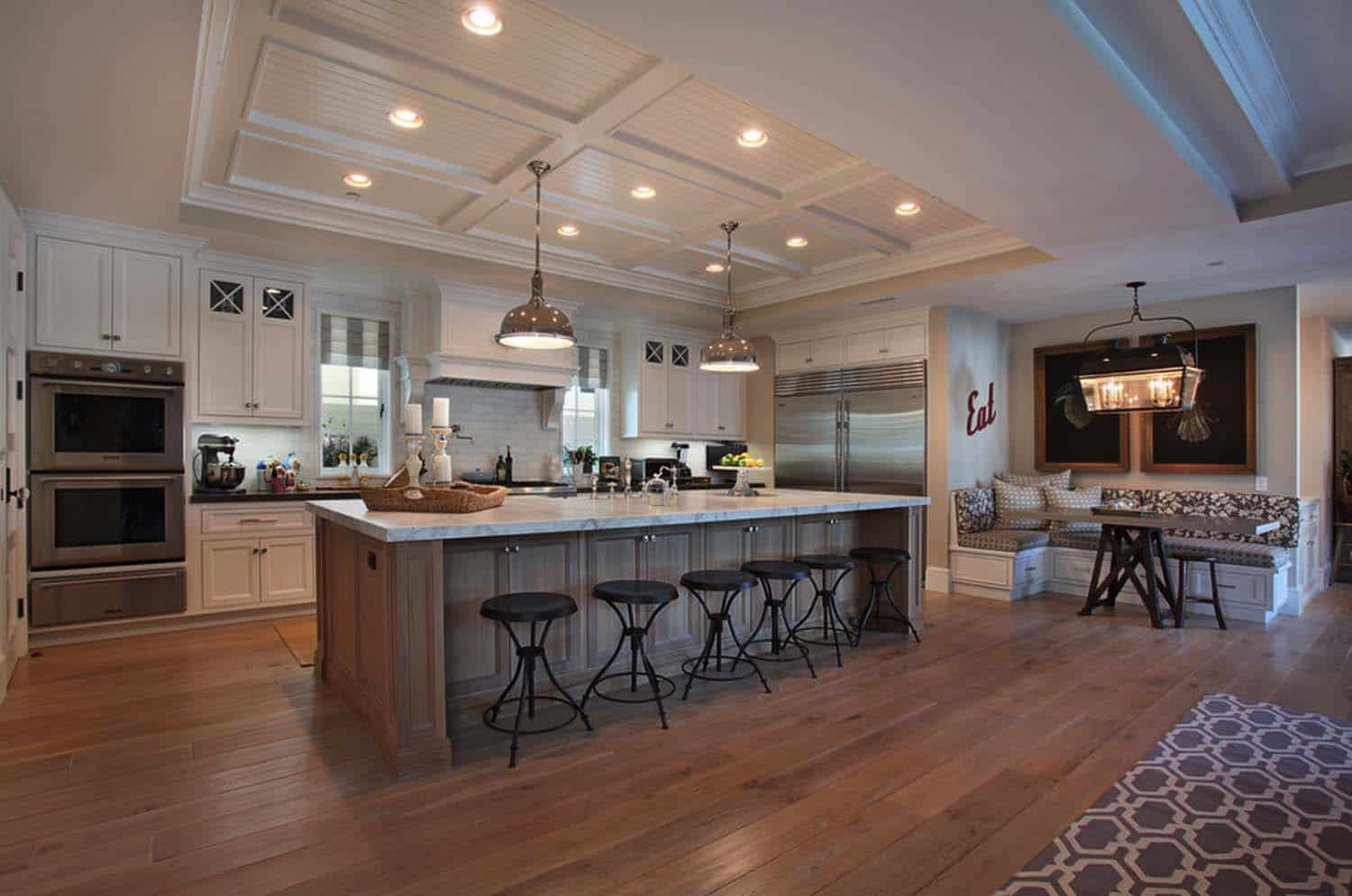 traditional-style-home-patterson-custom-homes-05-1-kindesign