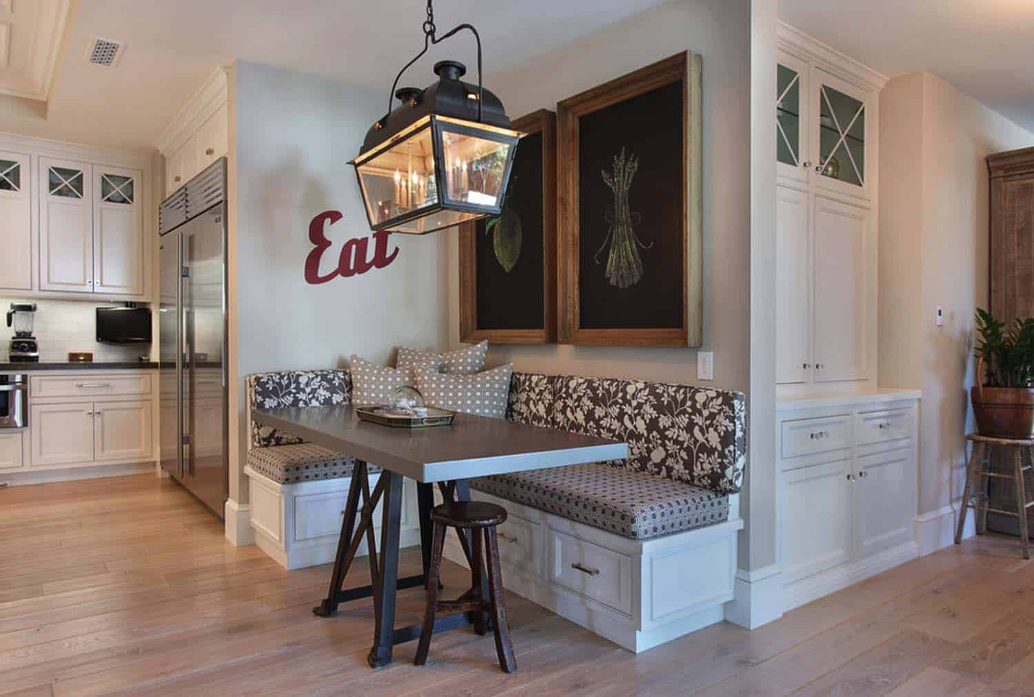 traditional-style-home-patterson-custom-homes-06-1-kindesign