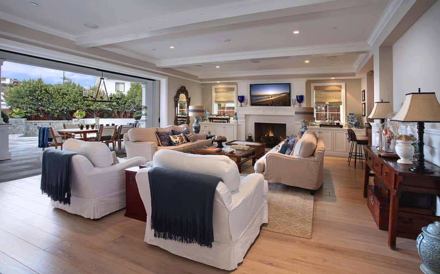 traditional-style-home-patterson-custom-homes-07-1-kindesign