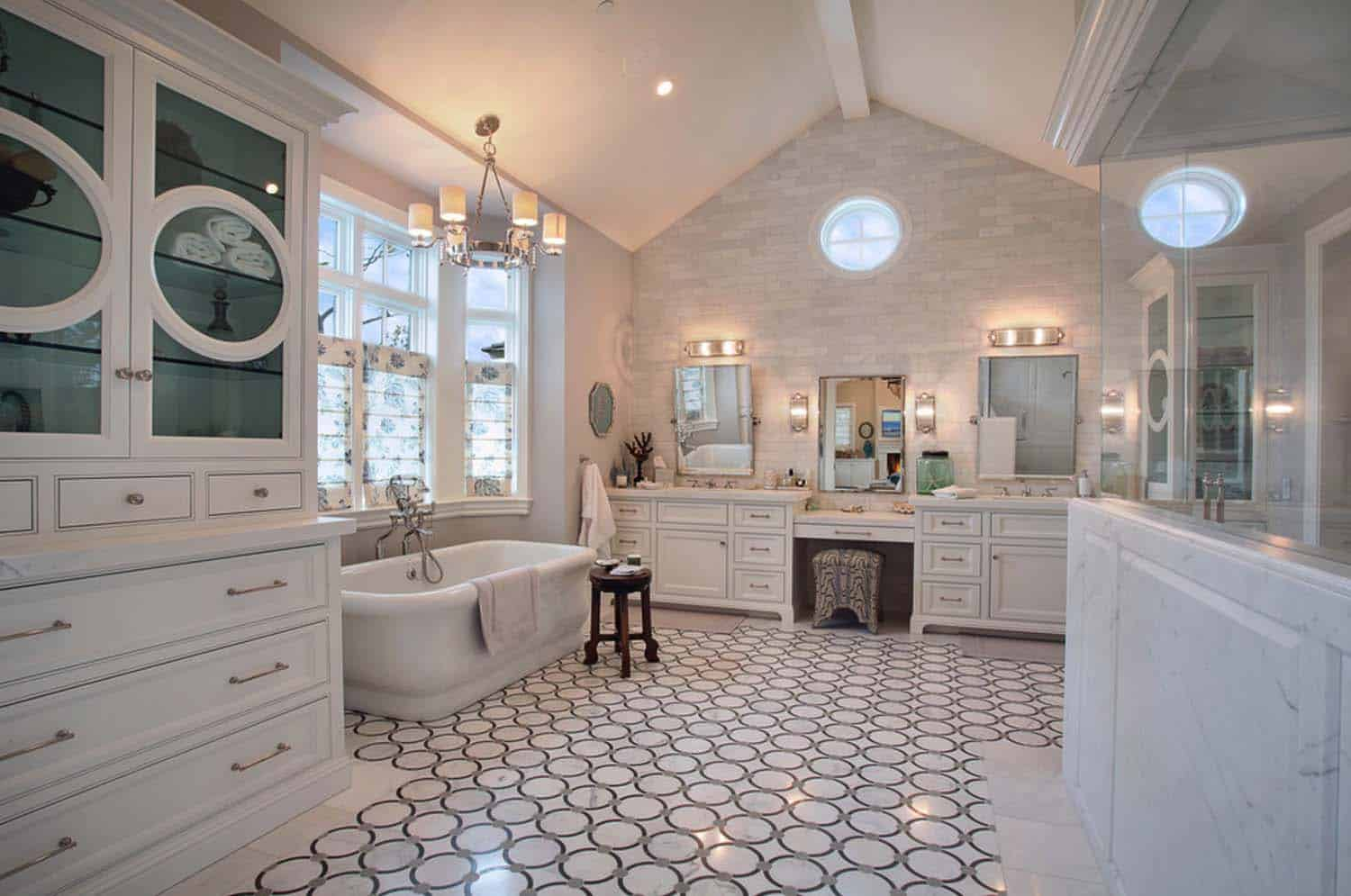 traditional-style-home-patterson-custom-homes-19-1-kindesign