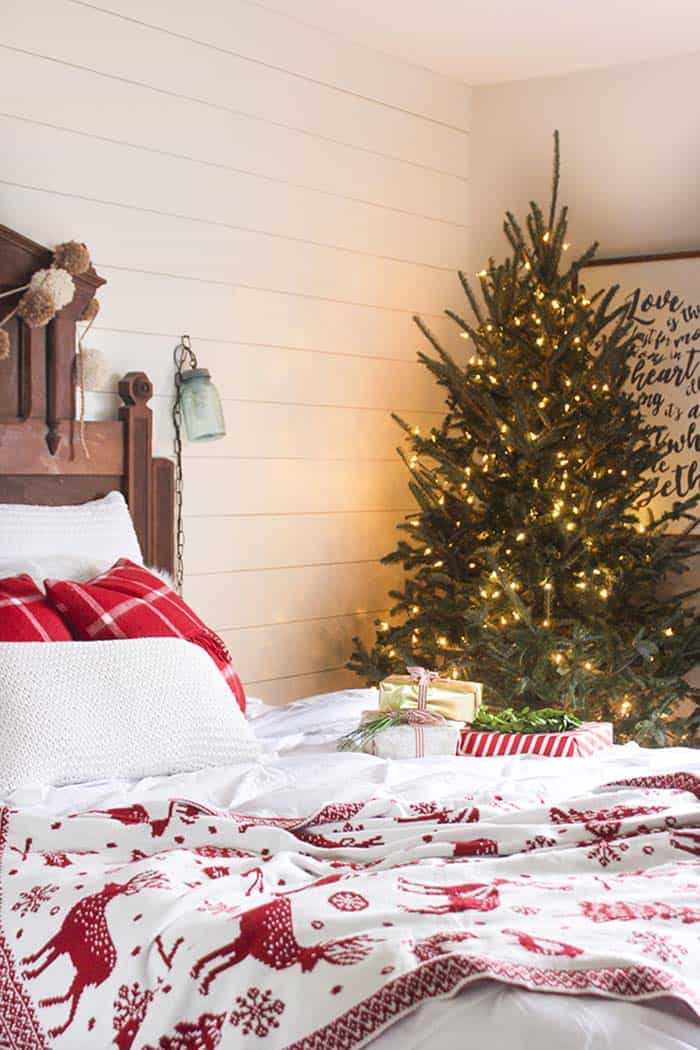 christmas-decor-ideas-rustic-country-03-1-kindesign