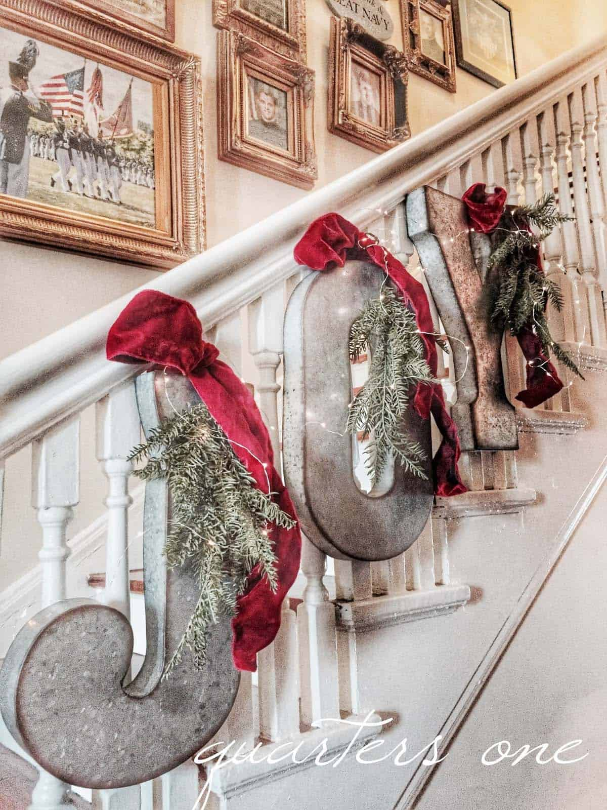 christmas-decor-ideas-rustic-country-09-1-kindesign