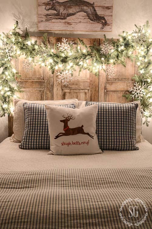 christmas-decor-ideas-rustic-country-11-1-kindesign