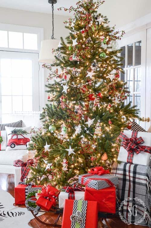 christmas-decor-ideas-rustic-country-12-1-kindesign