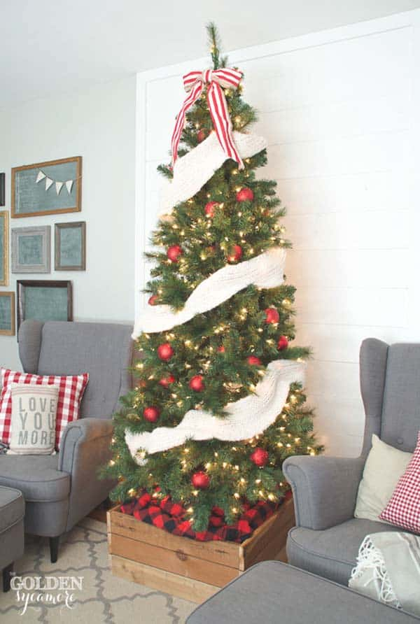 christmas-decorated-living-rooms-08-1-kindesign