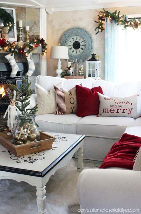 christmas-decorated-living-rooms-23-1-kindesign
