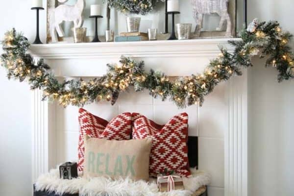 featured posts image for 30+ Fabulous Christmas decorated living rooms to inspire