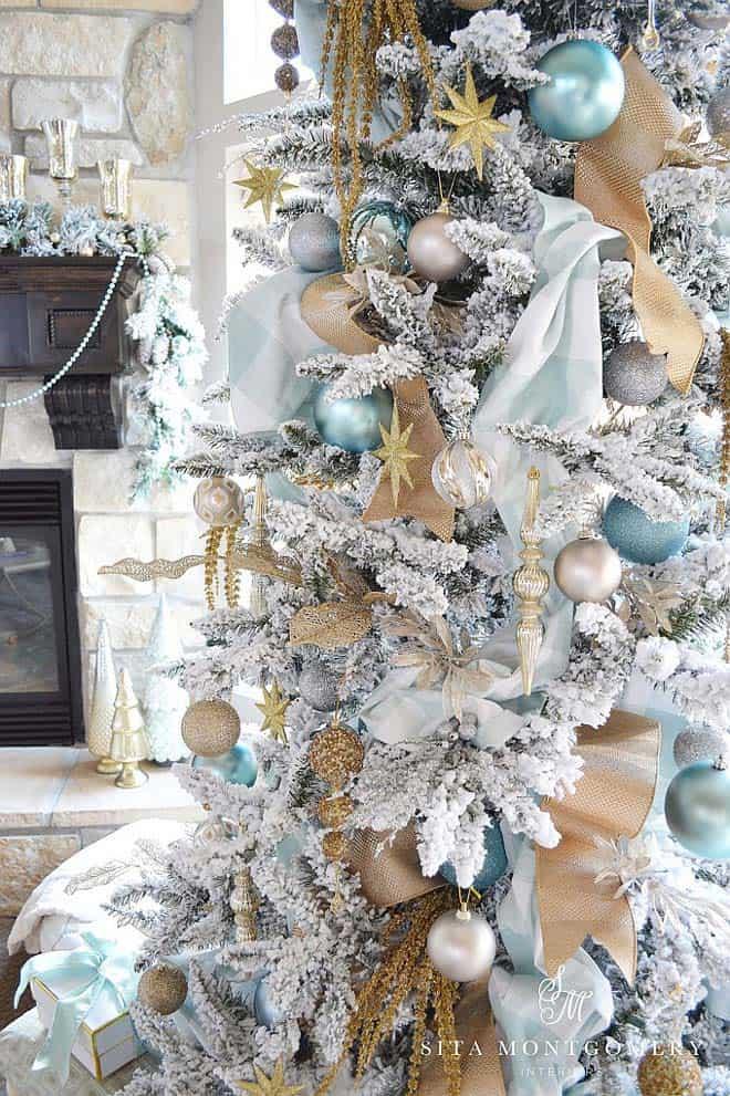 coastal-christmas-tree-decorating-ideas-03-1-kindesign