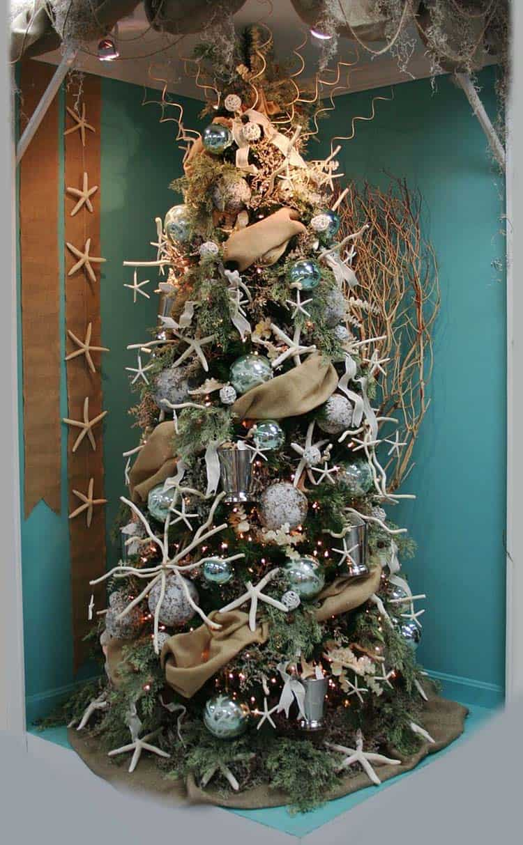 30 brilliant coastal chic christmas tree decorating ideas for Ariel christmas decoration