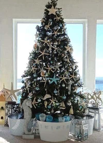coastal-christmas-tree-decorating-ideas-09-1-kindesign