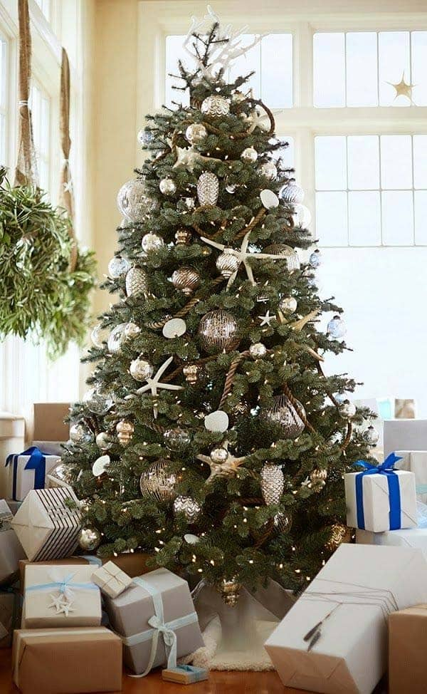 coastal christmas tree decorating ideas 20 1 kindesign