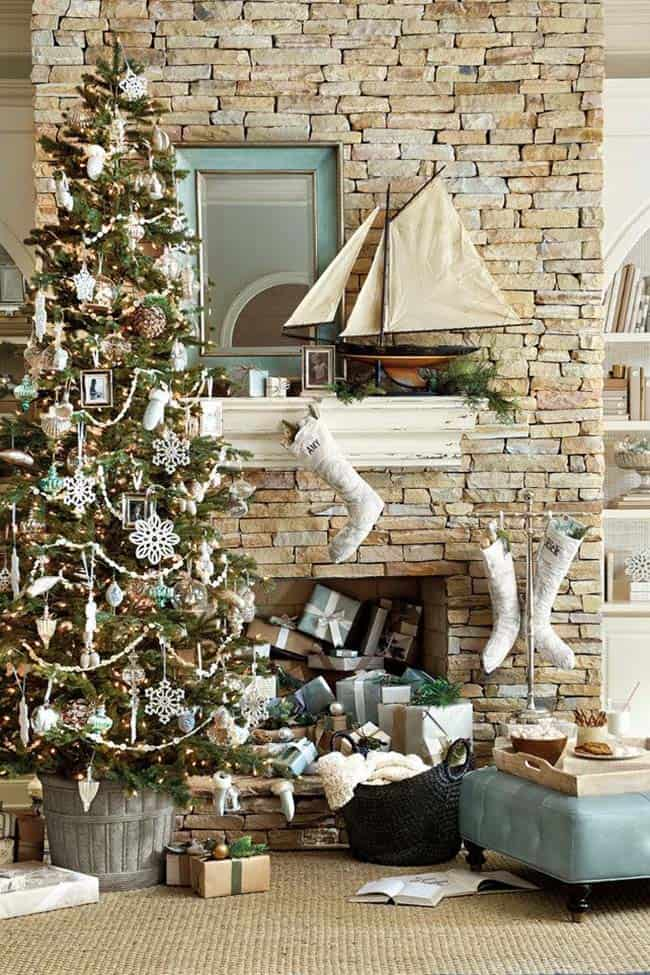 coastal christmas tree decorating ideas 27 1 kindesign