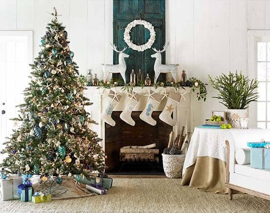 coastal-christmas-tree-decorating-ideas-28-1-kindesign