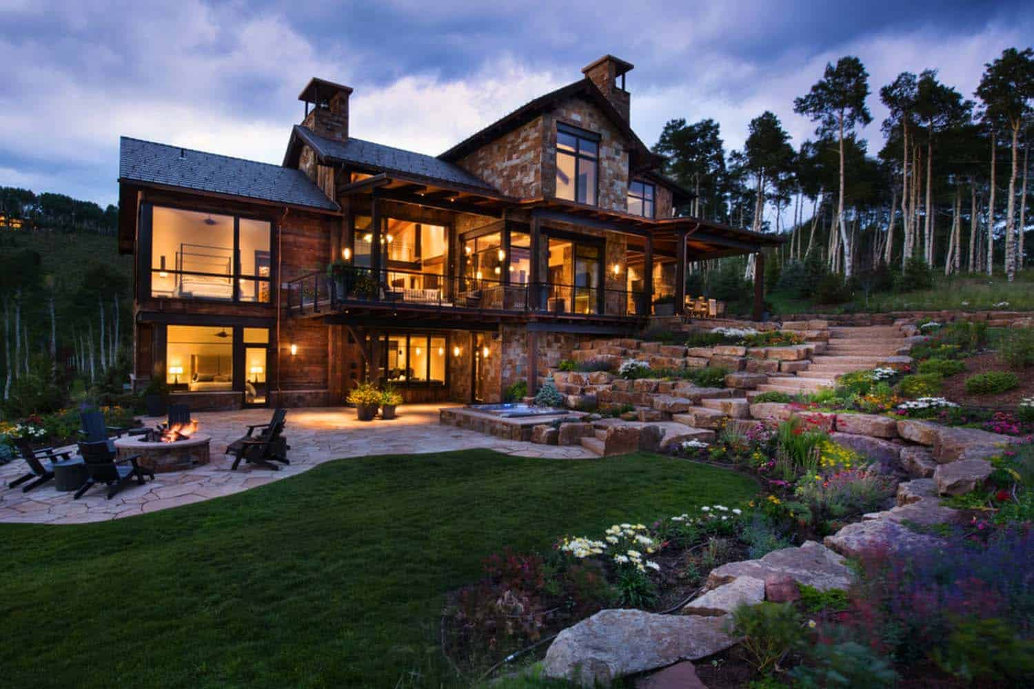 Contemporary mountain retreat in colorado infused with warmth for Montain house