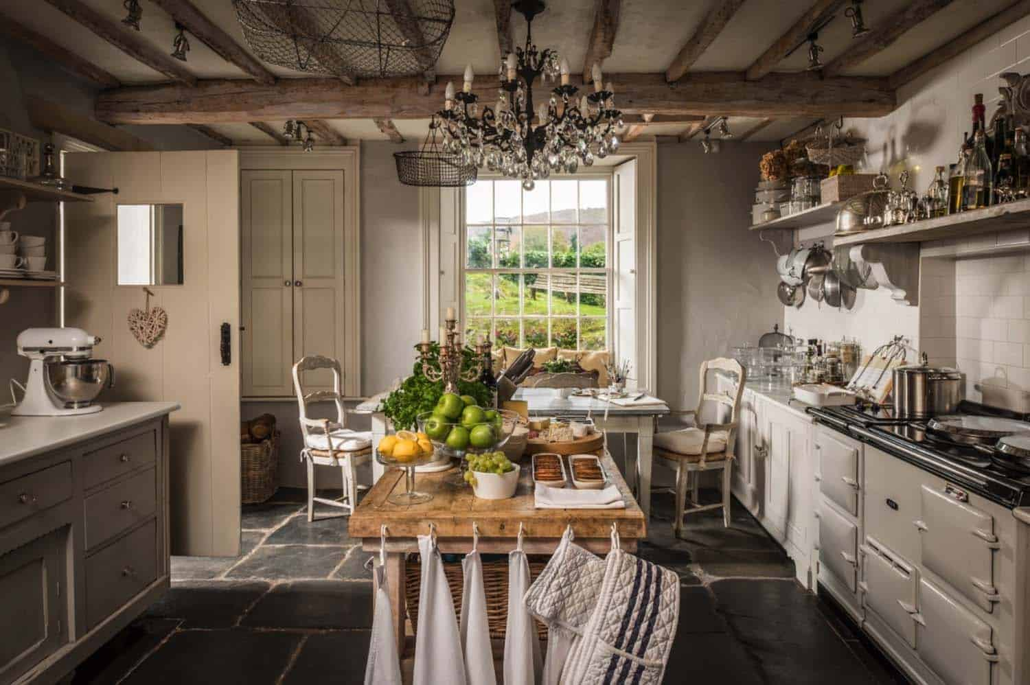 luxury-private-homestay-winterfell-cumbria-09-1-kindesign